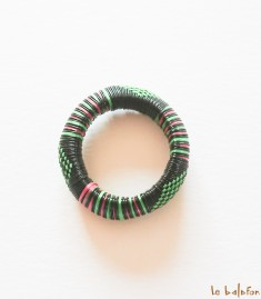 More about Bracelet africain en plastique recyclé